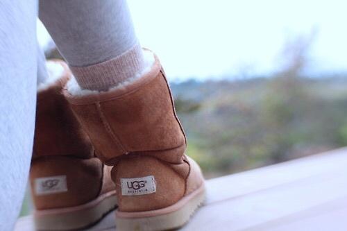 大人女子は足元からあったかムートンが好き♡UGGを使った秋コーディネート♪