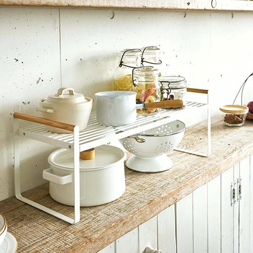 目指せ収納上手!食器収納アイデアやおすすめの収納グッズをご紹介