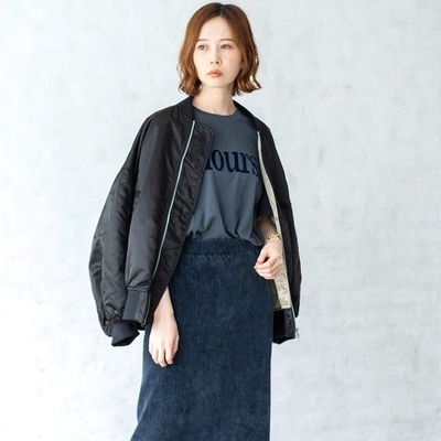《2021》コーデュロイスカートの秋冬コーデ。季節感を演出する大人の着こなし